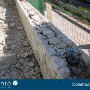 Nivel para pared de piedra